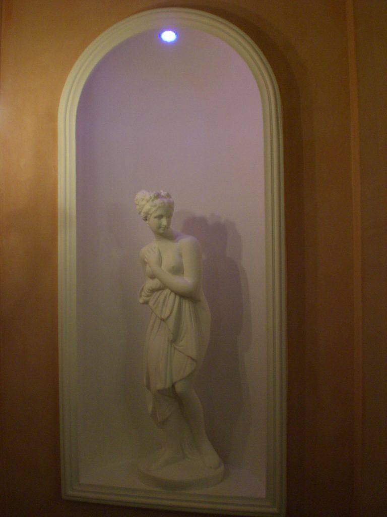 statue mur déco